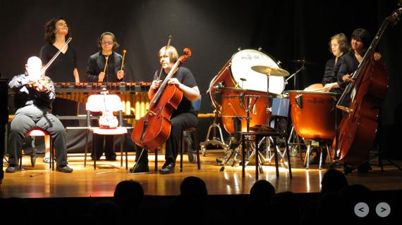 orchestra allegro moderato