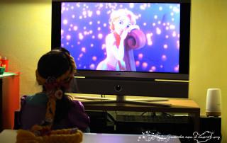 Emma guarda Rapunzel